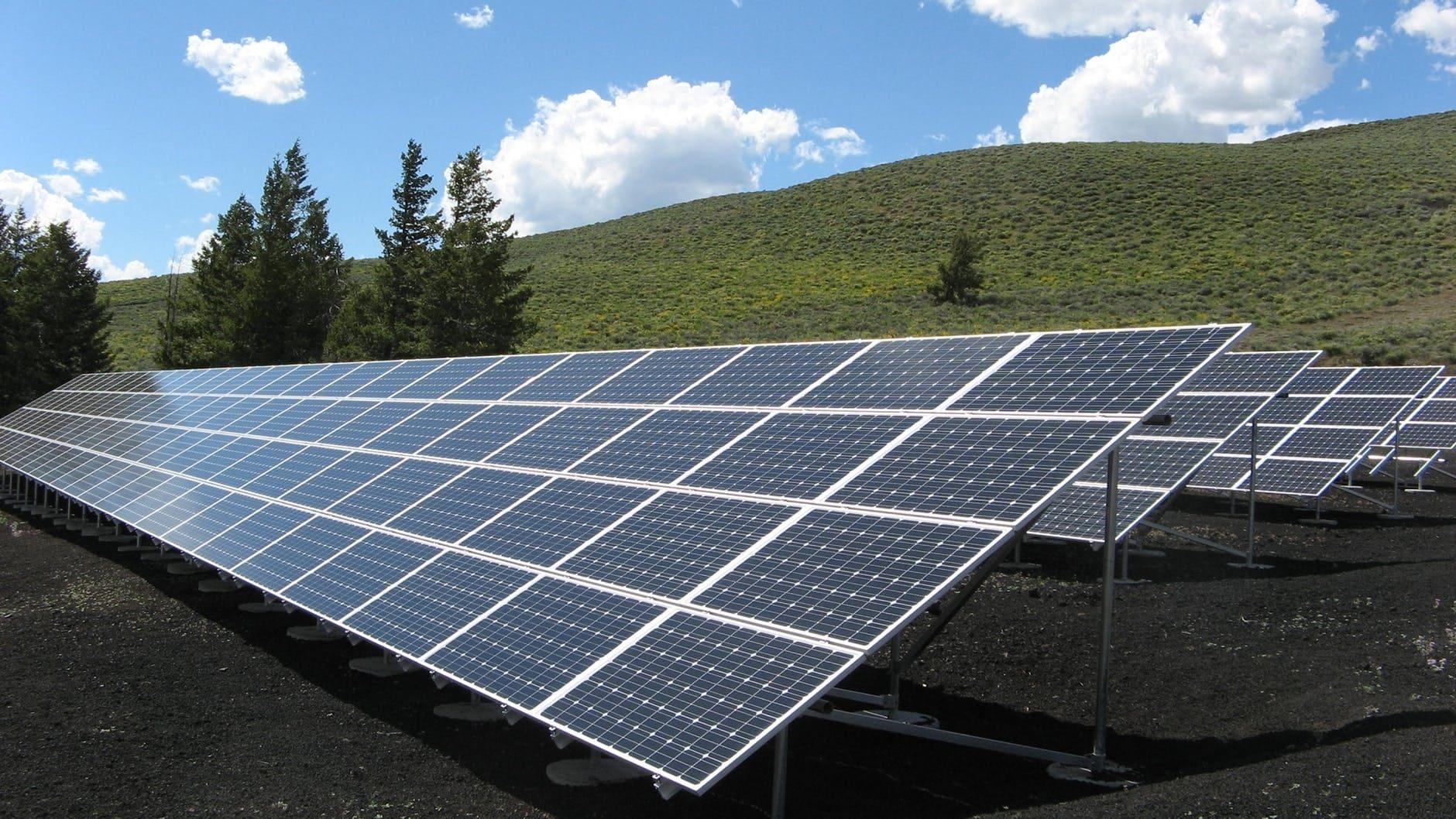 Com funcionen les plaques solars