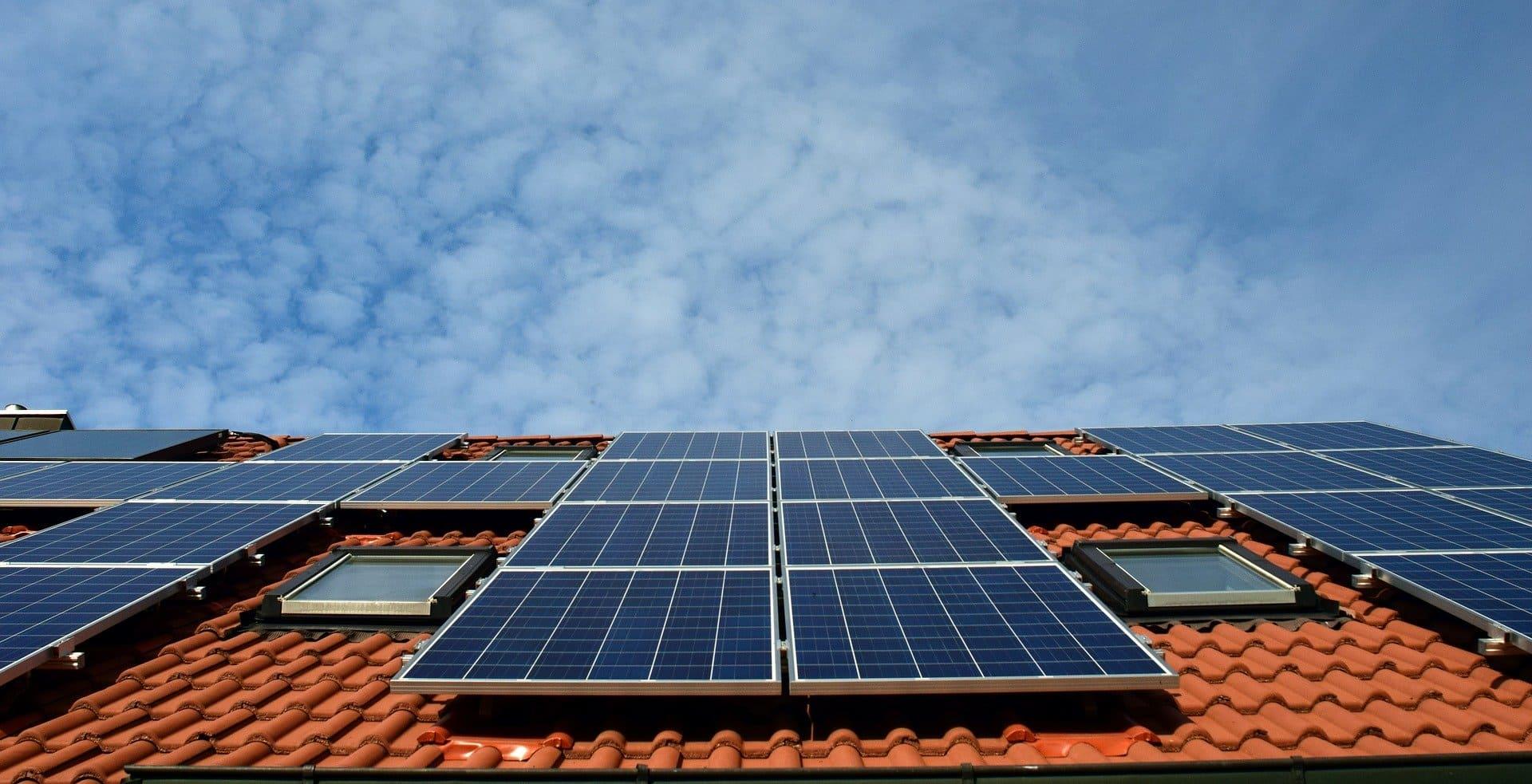 Com instal·lar un panell solar a casa